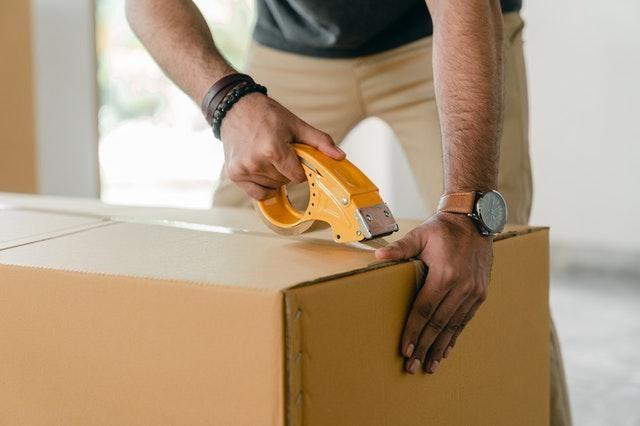 Sinalize as caixas com carga frágil